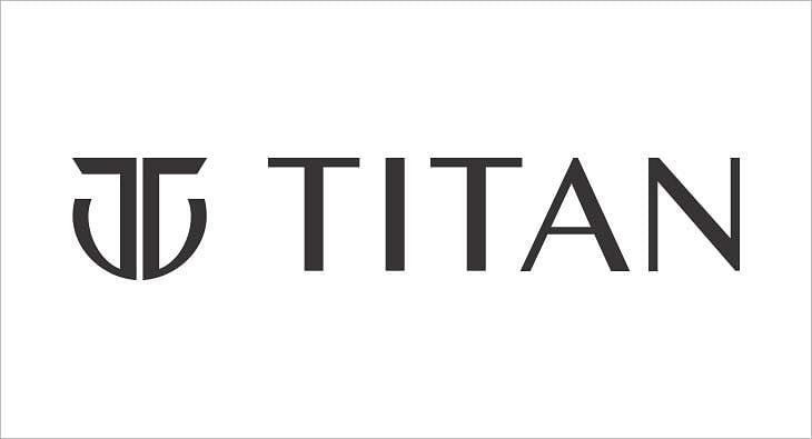 Titan?blur=25