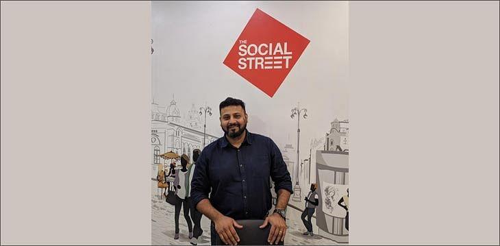 Social Street?blur=25