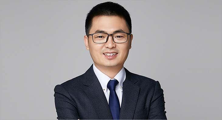 Elvis Zhou?blur=25