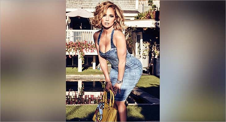 Jennifer Lopez wearing Guess Watches?blur=25