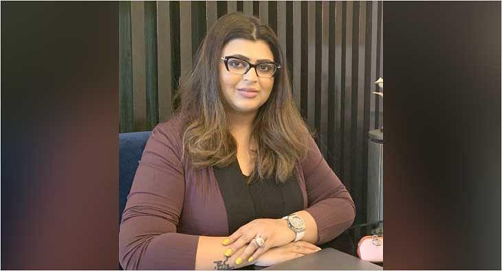 Chandni Kohli Dhall?blur=25