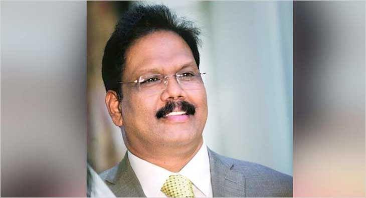 Vijay Babu?blur=25