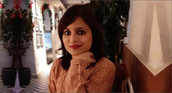 Akanksha Jain?blur=25