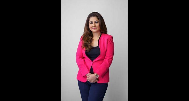 Neha Khanna?blur=25