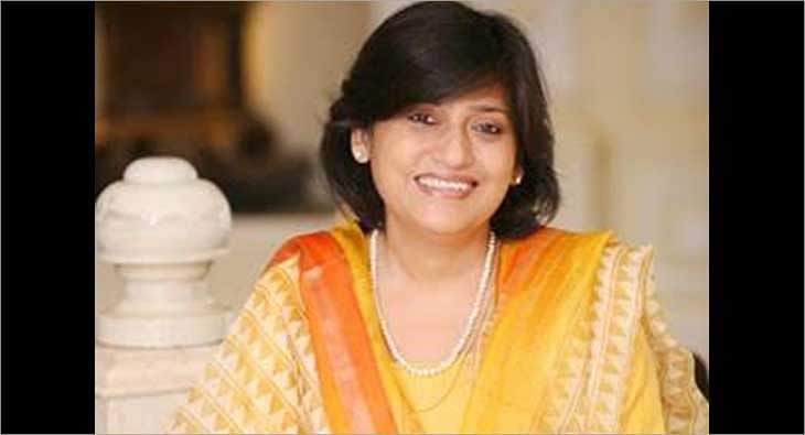 Nandini Chatterjee?blur=25