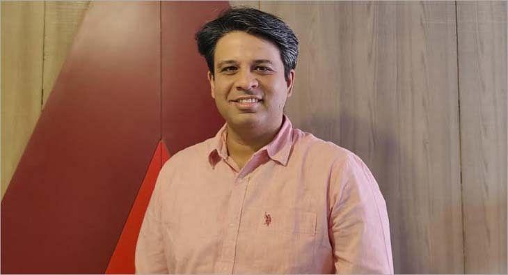 Gaurav Nijhawan?blur=25