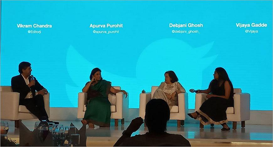 Twitter Panel?blur=25