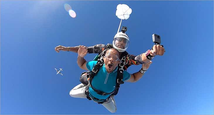 Will Smith Skydiving?blur=25