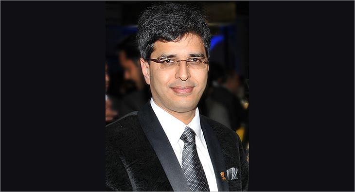 Neeraj Kumar?blur=25